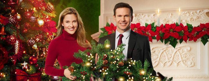 How to Make Big Career Moves According to Christmas Wishes & Mistletoe Kisses